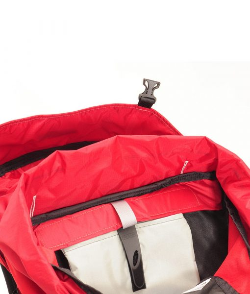 ONE PLANET Basic Bladder Insert in backpack